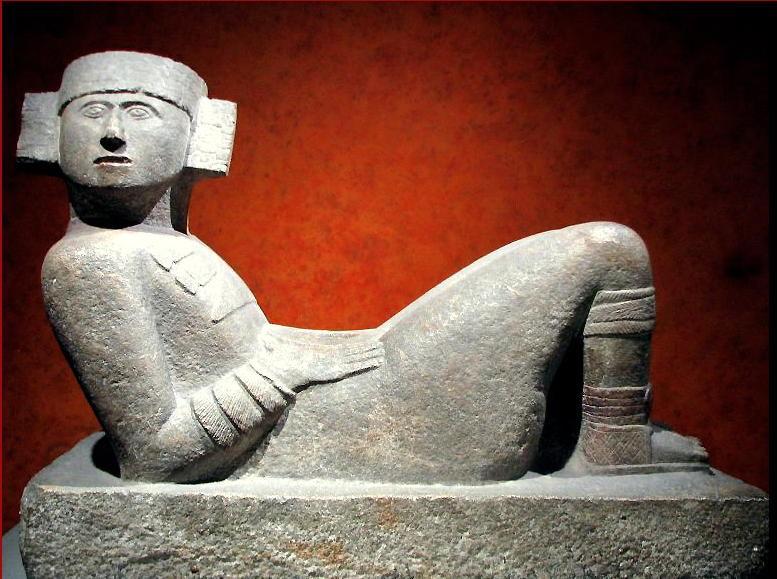 Imagen 1 (arriba). Chack Mool (Chichen Itzá). Fotografía de Luis Alberto Lecuna/Melograna. https://www.flickr.com/photos/lecuna/1803450903/, CC BY-SA 2.0, https://commons.wikimedia.org/w/index.php?curid=7079842.